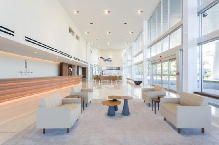 Alto luxo: prédio em Miami conta com aeroporto particular