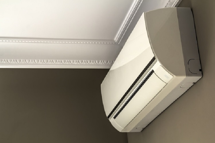 Manutenção do ar-condicionado evita problemas respiratórios e maior consumo de energia elétrica