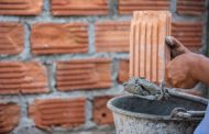 Mesmo com janeiro desaquecido, indústria de materiais de construção mantém crescimento